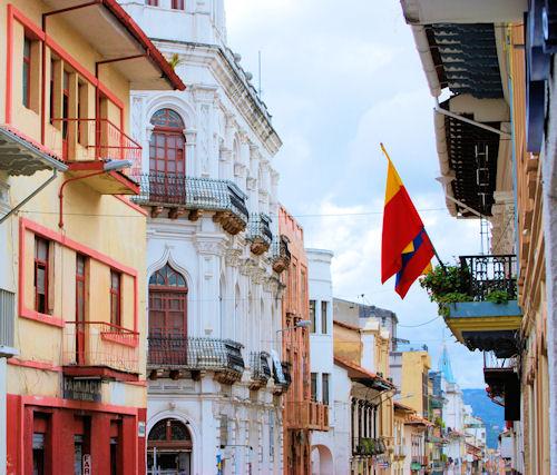 cuenca-ecuador-streets